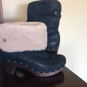 Ugg Clog Boots With The Fur 🎼🎵🎶 woman's 9